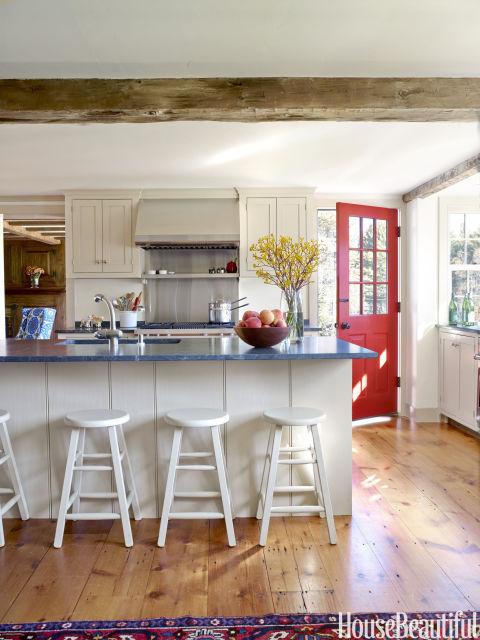 gallery-1439565349-farmhouse-kitchen